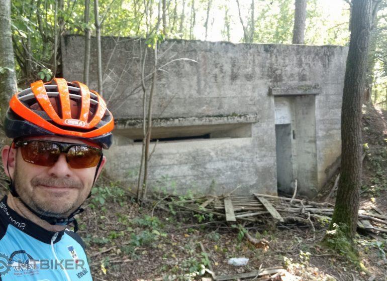Tip na výlet: 13 pixlí a jeden hřbitov – bunkry na Brdech